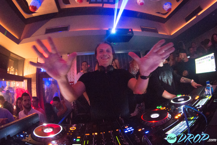 EDX performs during thatDROP's first South Florida event at Vibe Las Olas in Fort Lauderdale. Photo by Andreina Rodrigues